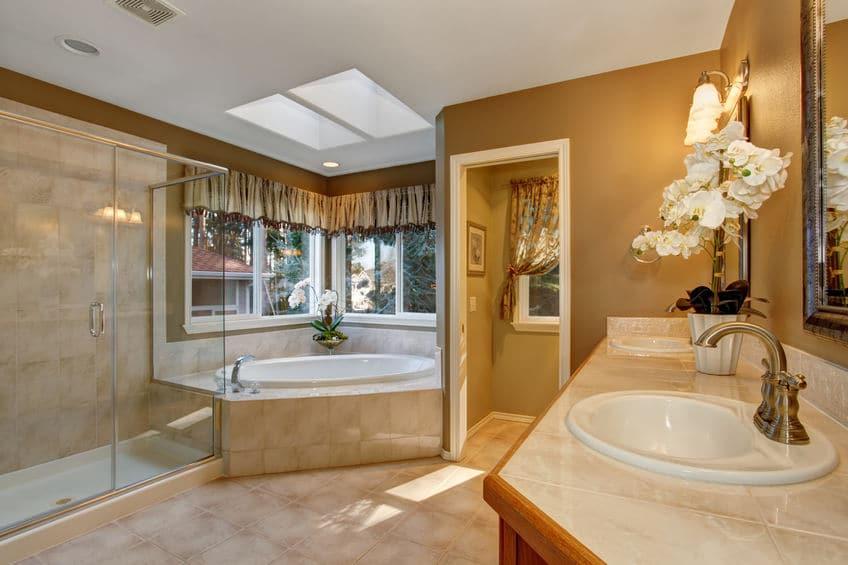 Comment organiser efficacement sa salle de bain?