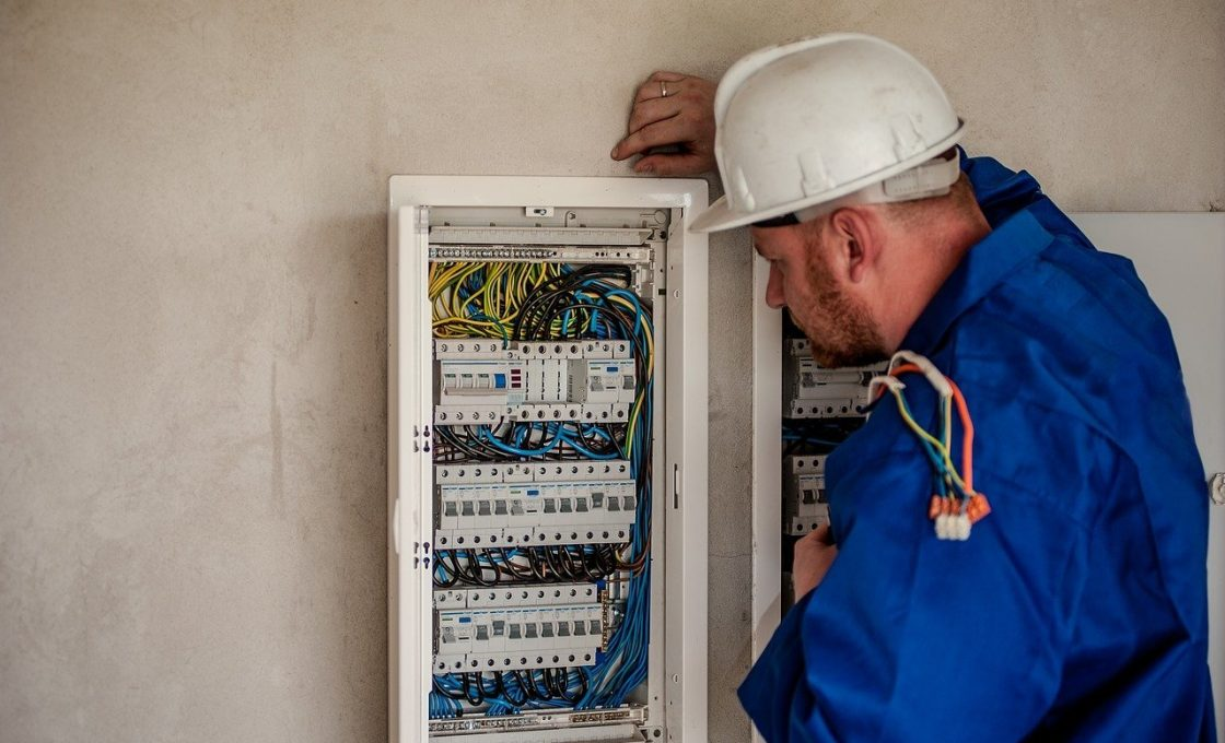 Électricien à Lyon6: comment bien le choisir pour votre rénovation ?