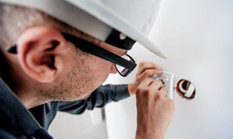 Comment choisir son électricien pour ses travaux ?